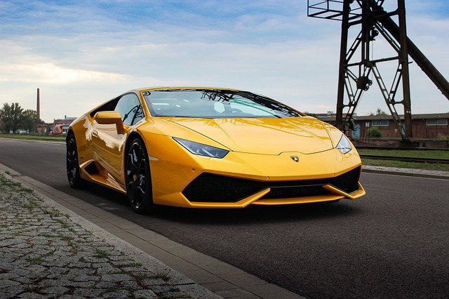 Kosso koopt gloednieuwe Lamborghini
